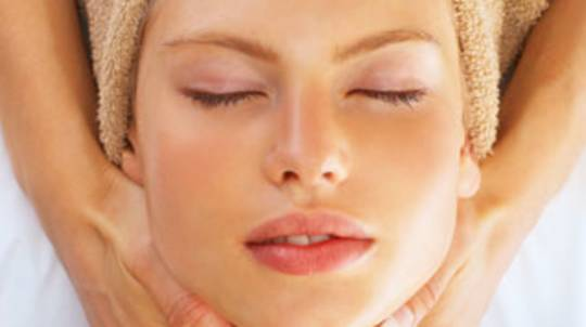 Facial and Treatment with Enzyme Exfoliant - 60 Minutes