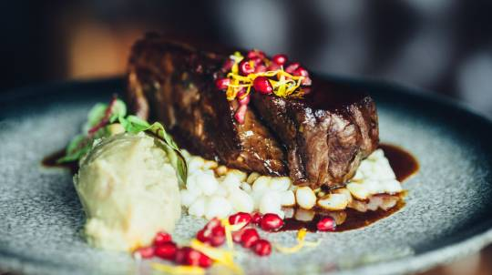 3 Course Steakhouse Dinner with Wine - Hawthorn - For 2