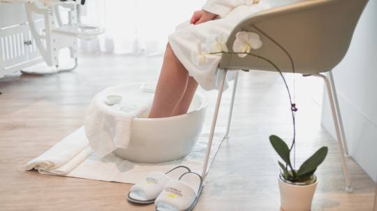 Gentle Pregnancy Massage, Foot Soak and Facial - 90 Minutes