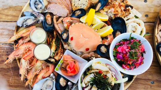Oyster Farm Tour with In-Water Seafood Platter - For 2