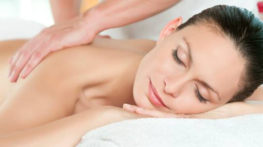 Aromatherapy Body Massage and Back Polish - Broadbeach