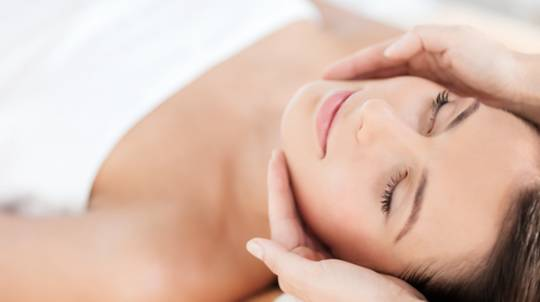 Liquid Salt Massage and Multivitamin Power Facial