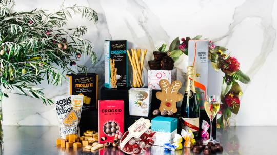 Christmas Pudding and G.H. Mumm Champagne Hamper
