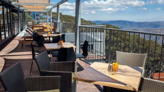 2 Night Luxury Hotham Getaway with 2 Course Meal and Wine