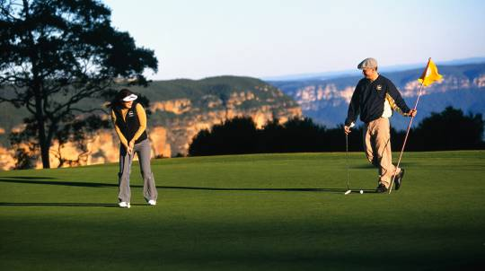Blue Mountains Two Night Golf Getaway with Breakfast - For 2