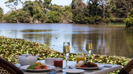 Breakfast and Sparkling By The Lake - For 2