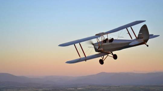 Flying Lesson in a Tiger Moth Biplane - 30 Minutes