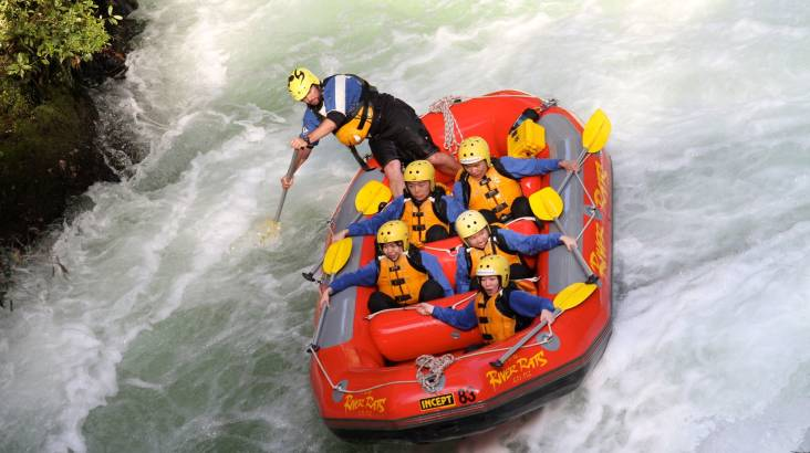 RedBalloon Whitewater Rafting on Kaituna River  - Grade 5