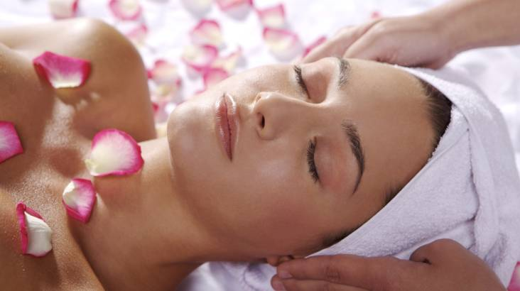 Massage and Facial at Home - 90 Minutes