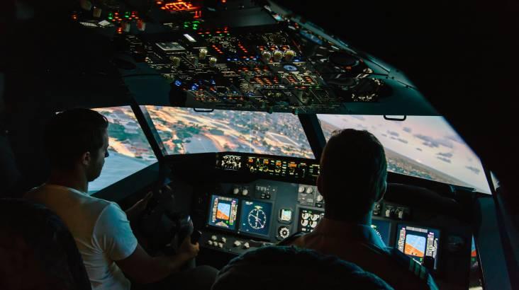 Jet Flight Simulator Challenge - 30 Minutes