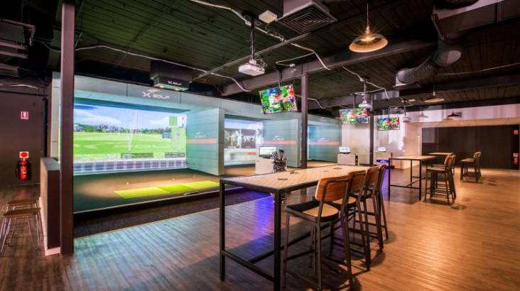 Indoor Golf Simulator - Two Hours - For 4 People