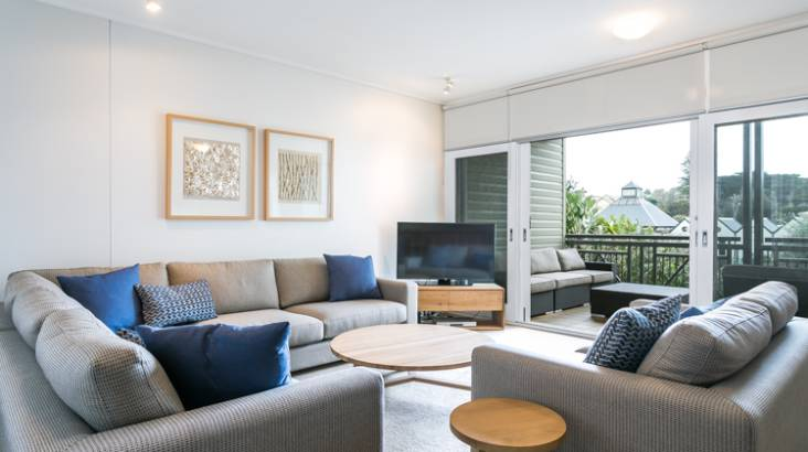 Portsea Weekend Getaway with Breakfast and Dinner - For 4