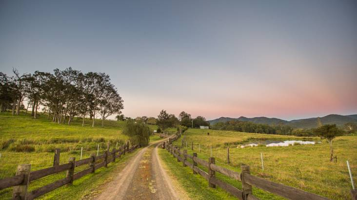 Relaxing Country Weekend Getaway with Wine - 2 Nights