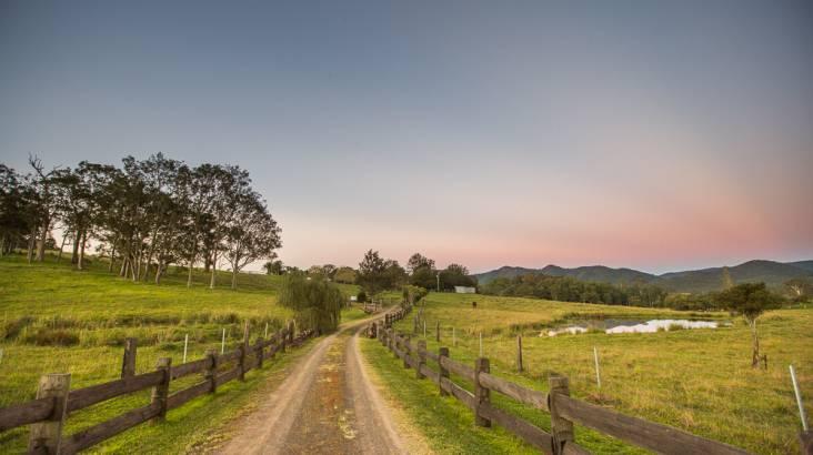 Relaxing Country Weekend Getaway with Wine - 2 Nights