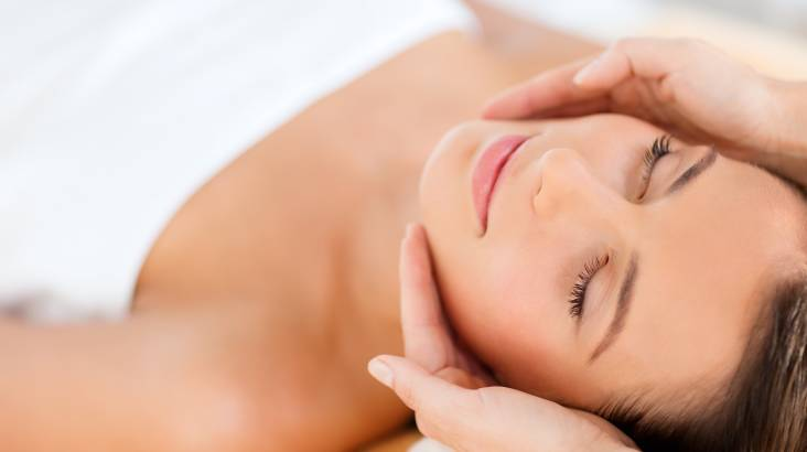 RedBalloon Wellness Facial and Hot Stone Massage - Coomera