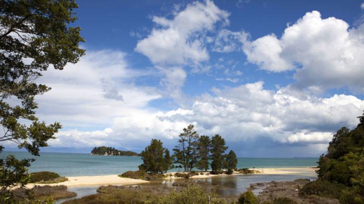 RedBalloon Abel Tasman and Golden Bay in One Day Guided Tour