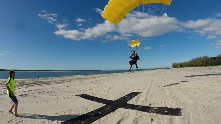 Skydive Rainbow Beach, Fraser Island - 15,000ft - Weekday