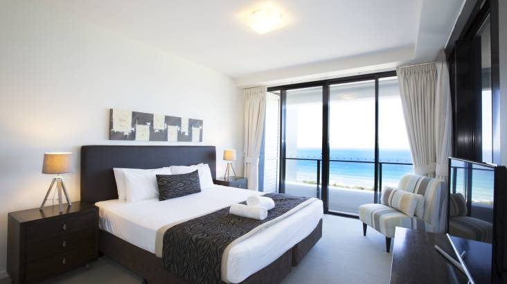 3 Night Executive Apartment Getaway with Ocean Views - For 4