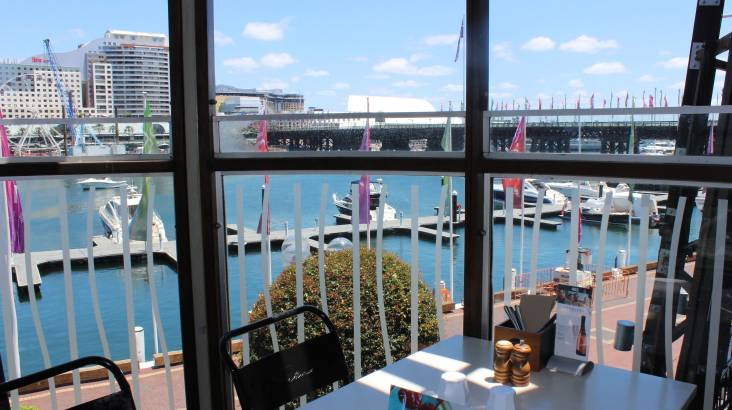 3 Course Family Lunch by the Harbour - For 4