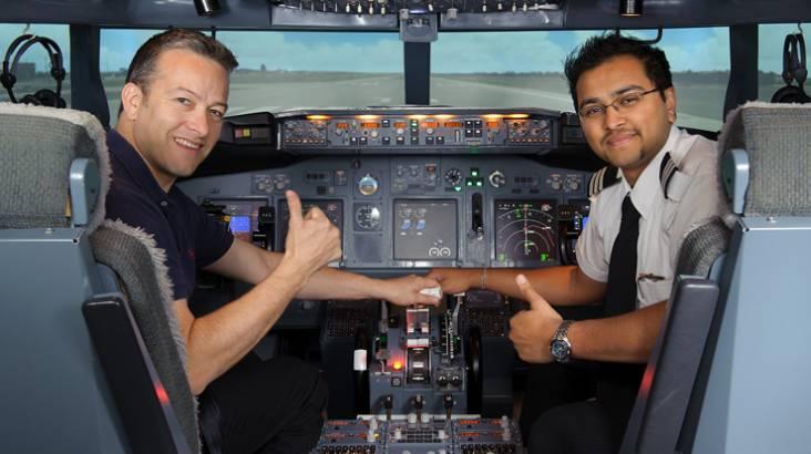 737-800 Boeing Flight Simulator Experience - 45 Minutes