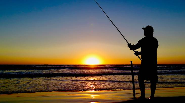 Night Beach Fishing with Beer and Snacks - 5 Hours