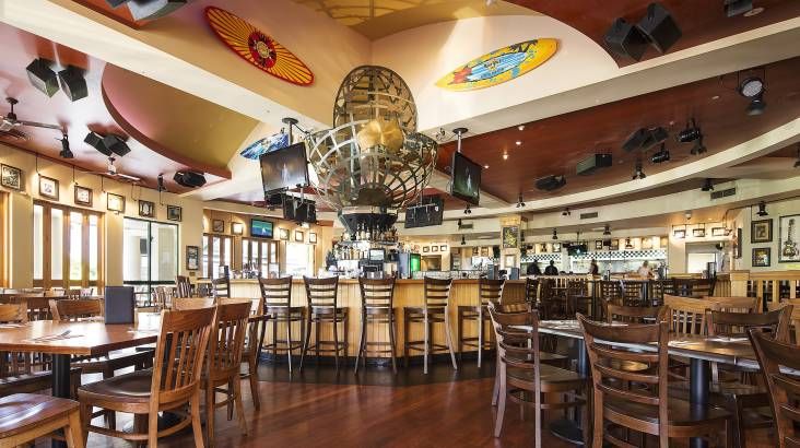 Family 3 Course Meal at Hard Rock Cafe Gold Coast - For 4