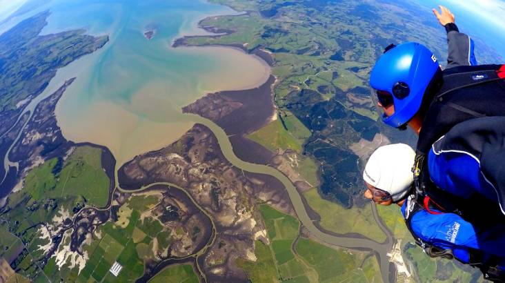 RedBalloon Tandem Skydive in Auckland - 20,000ft