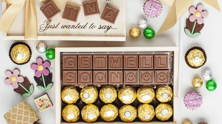 RedBalloon Personalised Chocolate Message and Ferrero Rocher Gift Pack