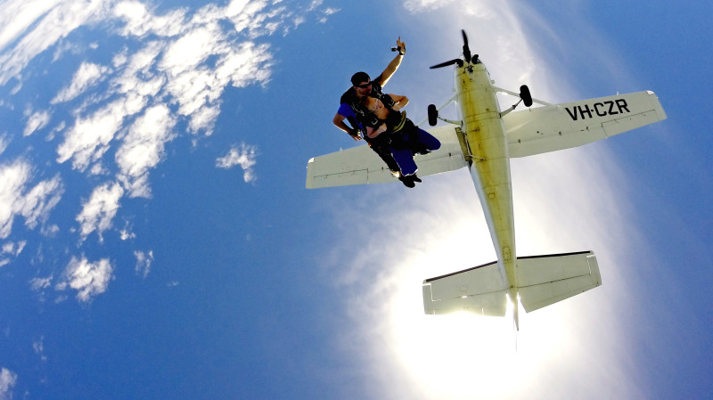 RedBalloon Skydive Over The Beach-15,000ft Weekday-FREE SYDNEY TRANSFER