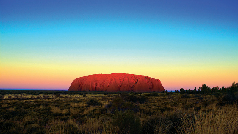 RedBalloon Uluru Sunset Tour with Gourmet BBQ Dinner