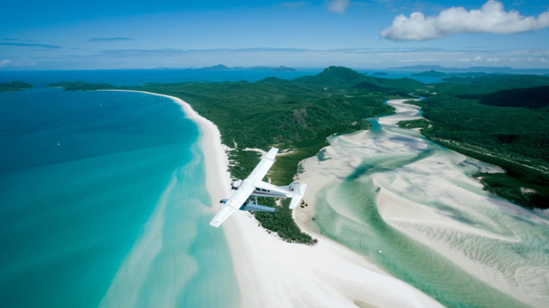 RedBalloon Seaplane Flight over Great Barrier Reef and Whitehaven Beach