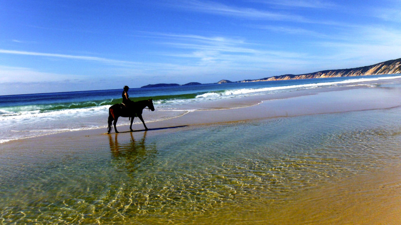 RedBalloon Rainbow Beach Horse Riding - No Experience Necessary