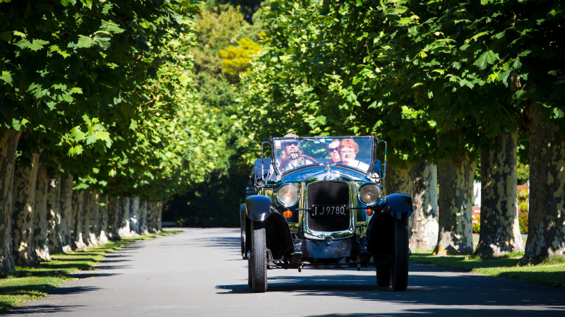 RedBalloon Private Vintage Car Scenic and Winery Tasting Tour - 3 Hours