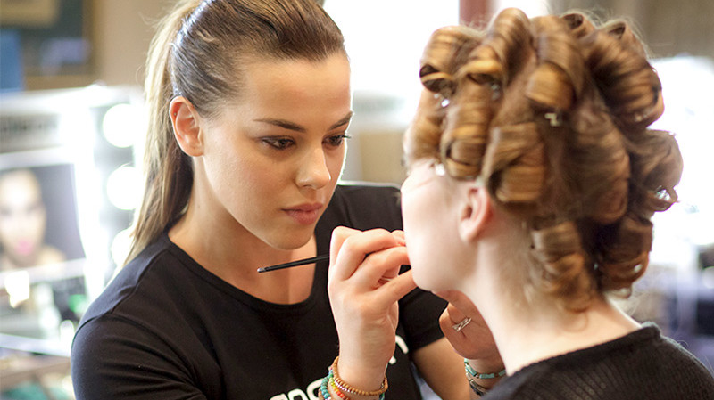 RedBalloon Makeup Lesson - Includes $149 Of Product - Perth