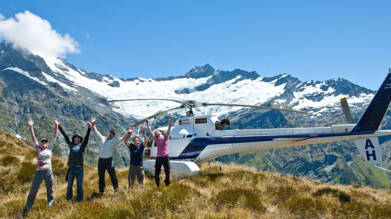 RedBalloon Scenic Helicopter Flight and Guided Alpine Trek