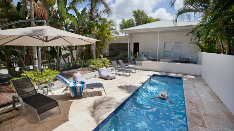 RedBalloon Byron Bay Overnight Stay with Breakfast and Sparkling- For 2