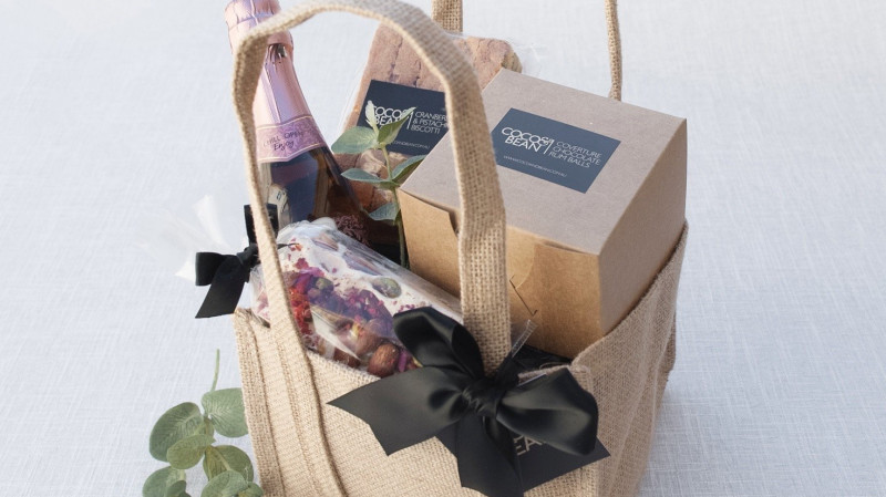 RedBalloon The Picnic Sparkling Wine and Sweet Treat Hamper