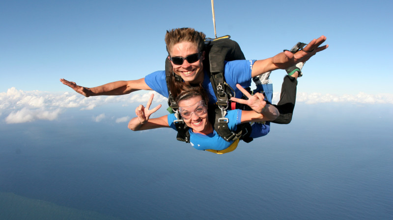 RedBalloon Tandem Skydive with Beach Landing - 15,000ft Weekend
