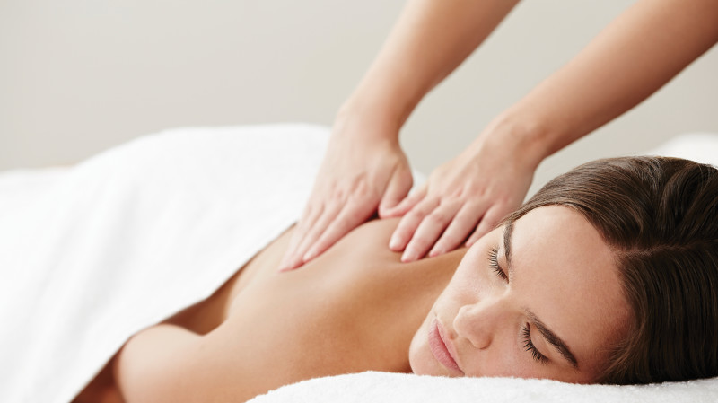 RedBalloon Facial and Massage Surrender Spa Package - 75 Minutes