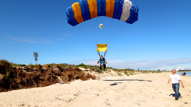RedBalloon Skydive The Beach For Two - 15,000ft - Rockingham - Weekend