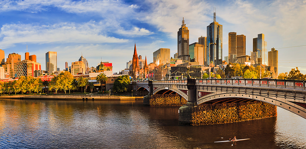 Melbourne Tourist Attractions,yarra river,southbank,victoria,australia