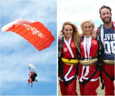 skydiving santas redballoon