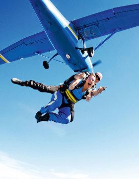 tandem skydive over brisbane