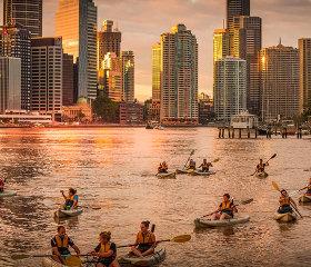 sunset kayak tour with drinks brisbane