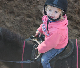 kids private horse riding lesson