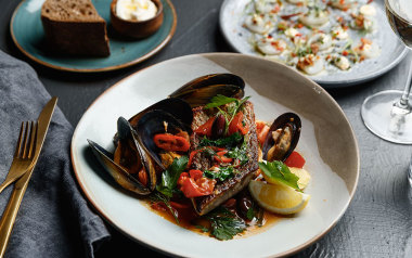 WA: Ultimate seafood experience- Meat and Wine Co Perth
