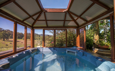 Countryside getaway with outdoor spa