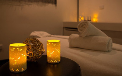Day spa massage treatment room