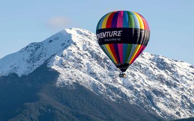 Hot air balloon flight over Mount Hutt