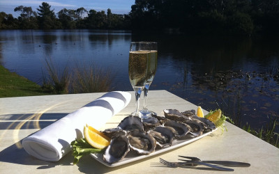 Oysters and sparkling wine - Mornington Peninsula